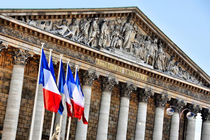 «Les associations redoutent la fin de la réserve parlementaire» / La Croix