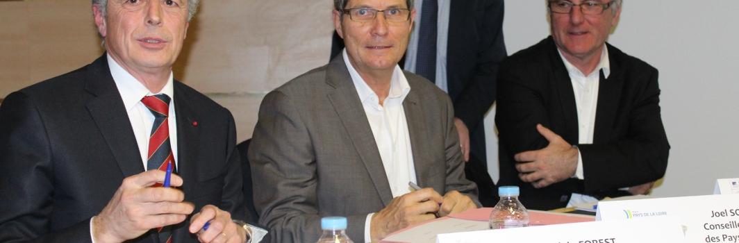 Le Mouvement associatif Pays de la Loire a signé le protocole d'engagements réciproques avec l'Etat : une belle occasion pour rappeler les enjeux du monde associatif